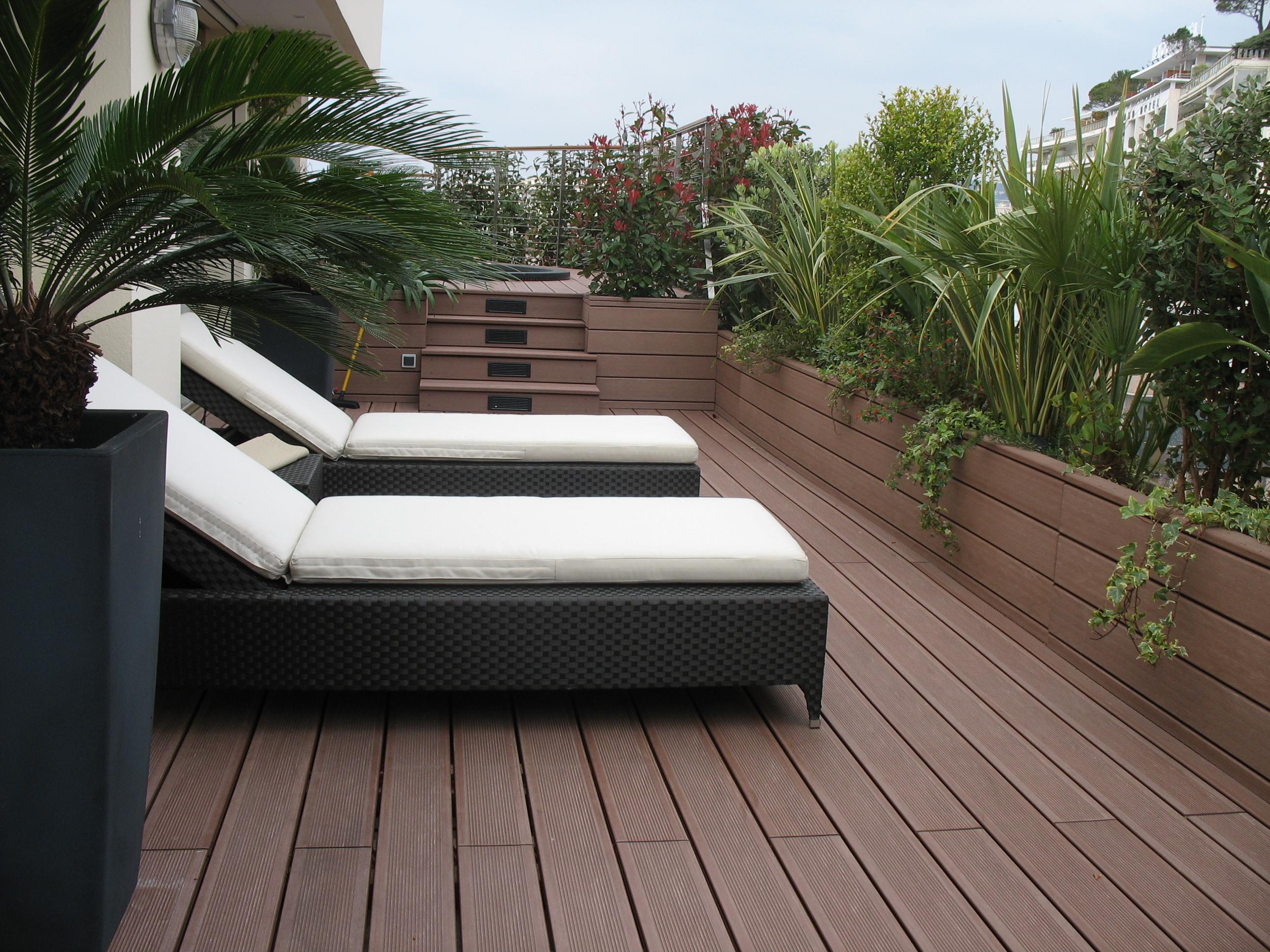amenagement terrasse en longueur decoration terrasse exterieur photo decorer sa exterieure pas. Black Bedroom Furniture Sets. Home Design Ideas