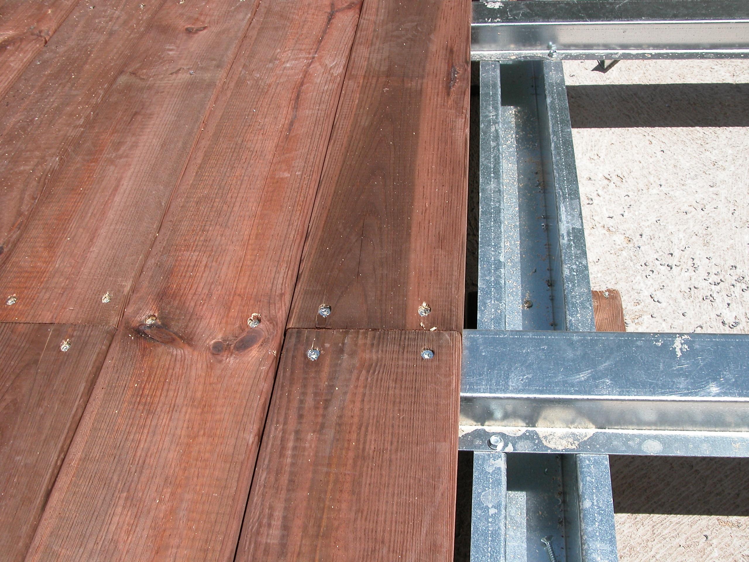 terrasse bois structure acier. Black Bedroom Furniture Sets. Home Design Ideas